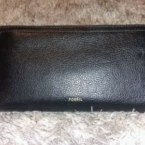 FOSSIL Logan Zipped Leather Wallet *NWT*